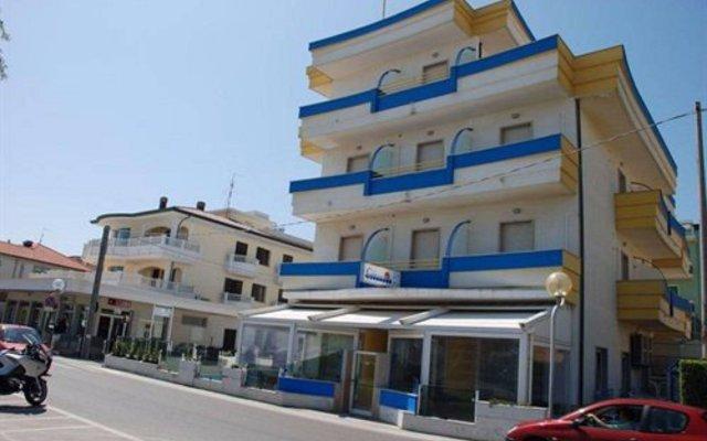 Hotel Costazzurra Римини вид на фасад