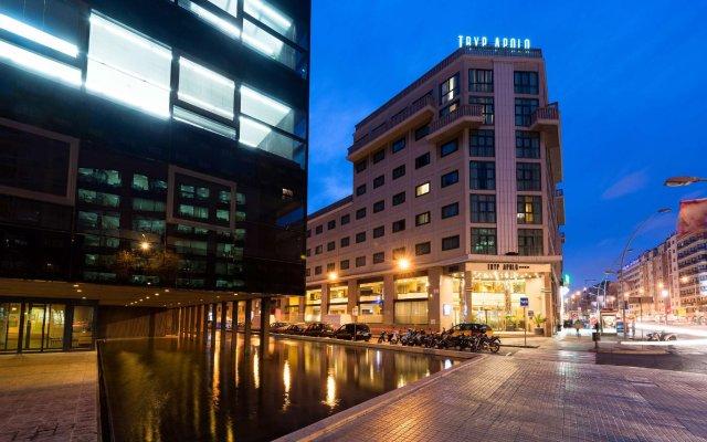 TRYP Barcelona Apolo Hotel вид на фасад
