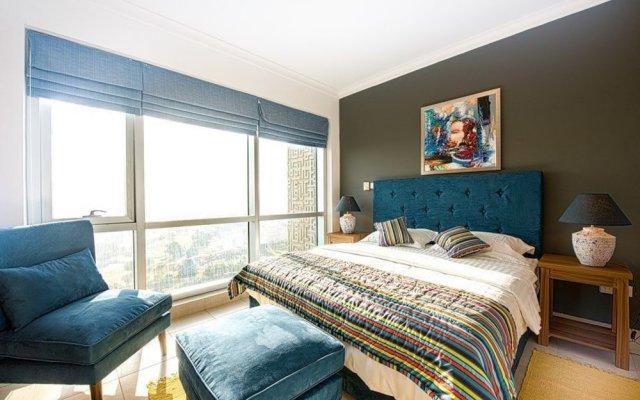 Отель One Perfect Stay 2BR at Fairways комната для гостей