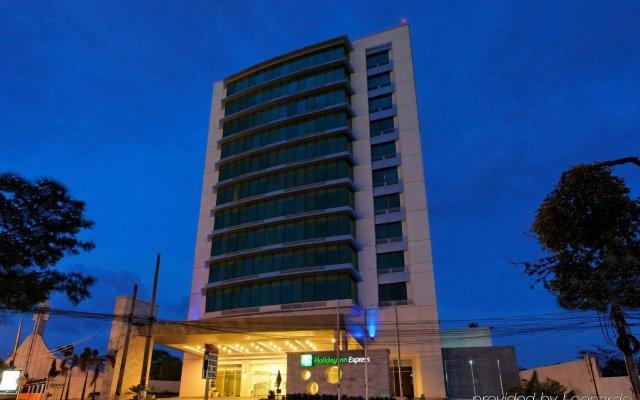 Отель Holiday Inn Express San Pedro Sula вид на фасад
