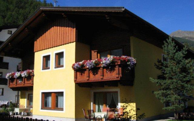 Отель Haus Romana Австрия, Хохгургль - отзывы, цены и фото номеров - забронировать отель Haus Romana онлайн вид на фасад