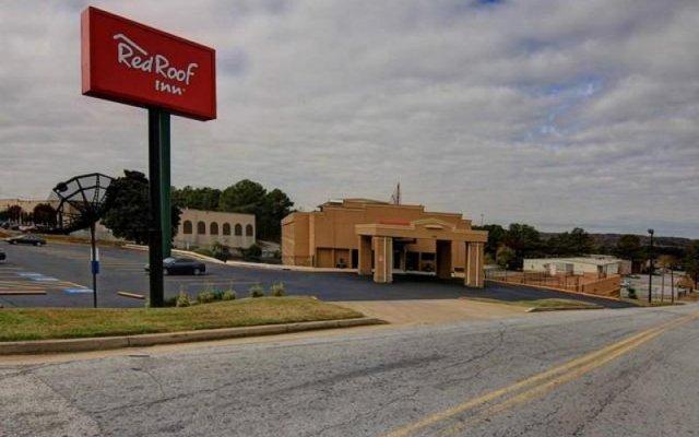 Отель Red Roof Inn Atlanta Six Flags вид на фасад
