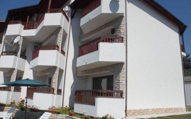 Отель Morski Briz Балчик вид на фасад
