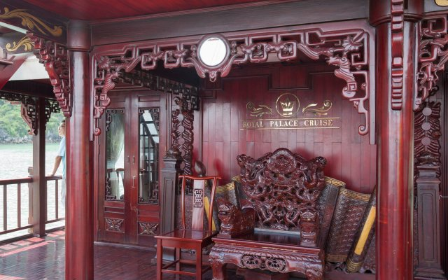 Отель Halong Royal Palace Cruise вид на фасад