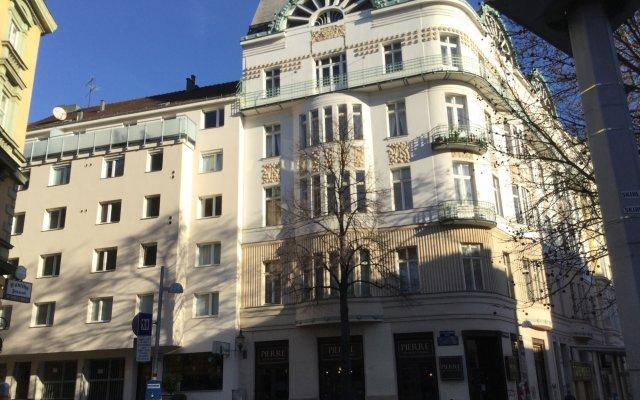 Отель Ajo Central Вена вид на фасад