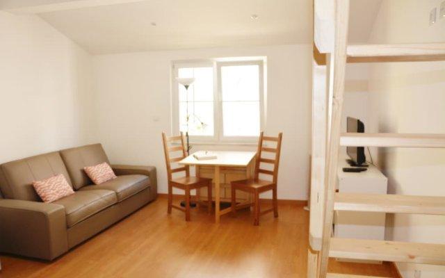 Апартаменты In Lisbon Apartments комната для гостей