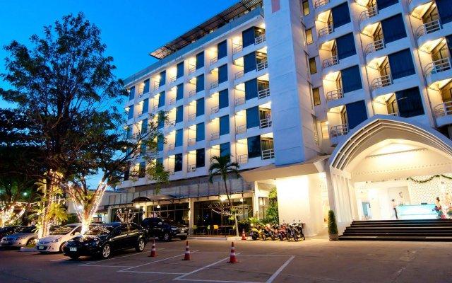 Отель Sandalay Resort Pattaya вид на фасад