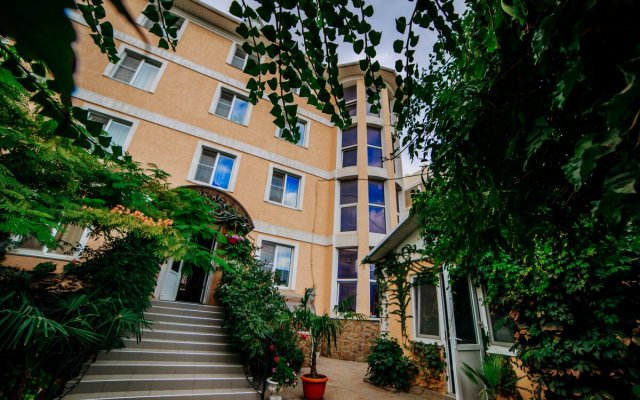 Мини-Отель Kunesh вид на фасад