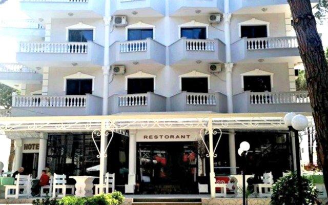 Отель KAPRI вид на фасад