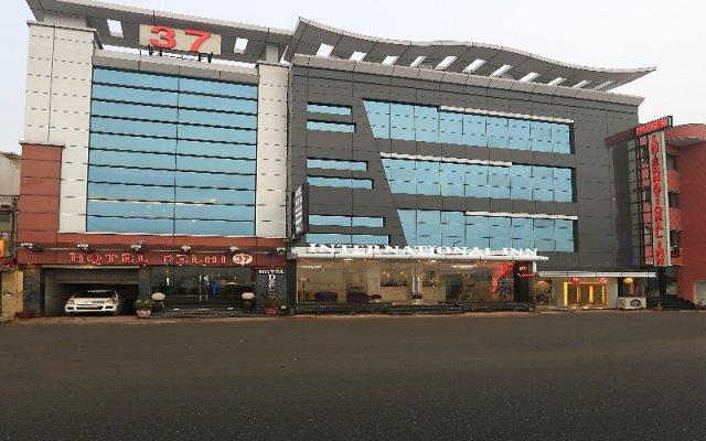 Отель International Inn вид на фасад
