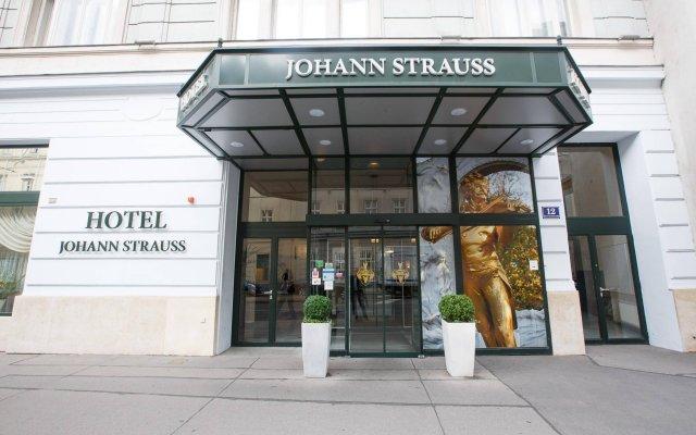Hotel Johann Strauss вид на фасад