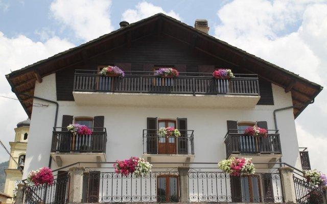 Hotel Roseg Киеза-ин-Вальмаленко вид на фасад