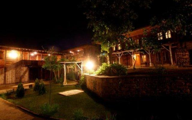 Отель Zlatna Oresha Guest House Болгария, Сливен - отзывы, цены и фото номеров - забронировать отель Zlatna Oresha Guest House онлайн вид на фасад