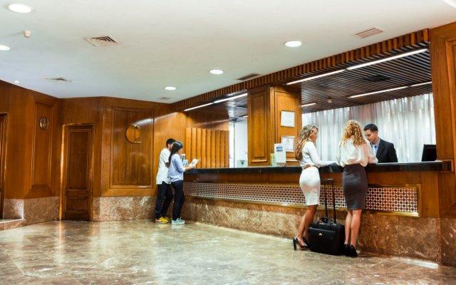 Отель Pasarela Испания, Севилья - 2 отзыва об отеле, цены и фото номеров - забронировать отель Pasarela онлайн интерьер отеля