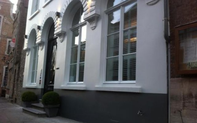 Отель B&B De Bornedrager вид на фасад