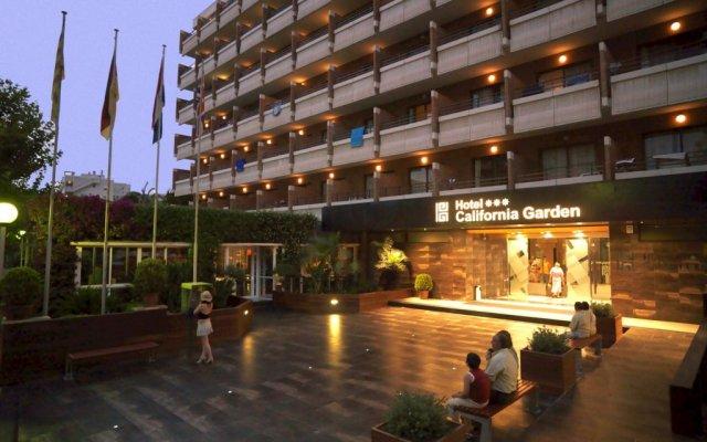 Отель California Garden вид на фасад