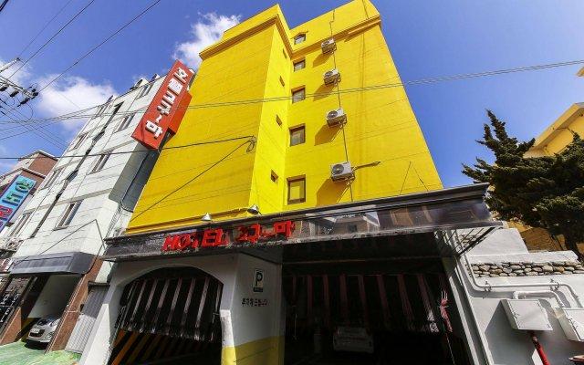 Goguma Hotel вид на фасад