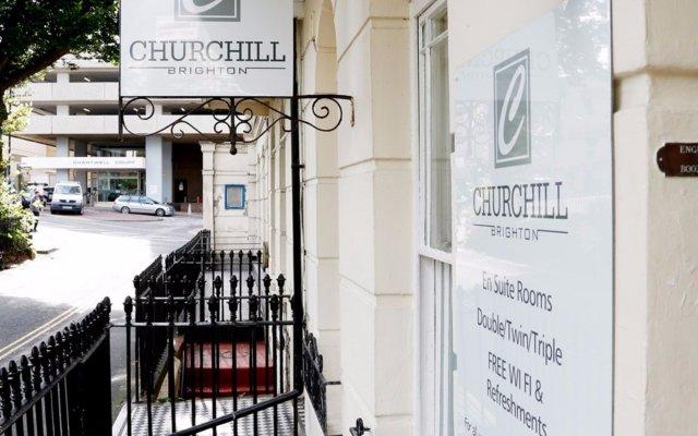 Отель Churchill Brighton вид на фасад