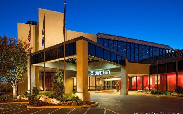 Отель Sheraton Bloomington Hotel США, Блумингтон - отзывы, цены и фото номеров - забронировать отель Sheraton Bloomington Hotel онлайн вид на фасад