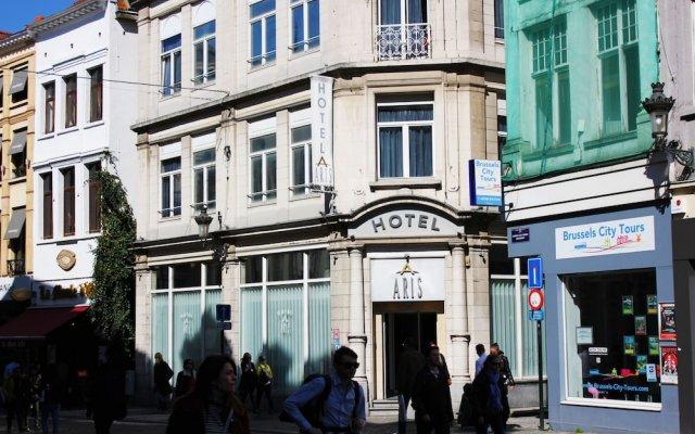 Hotel Aris вид на фасад