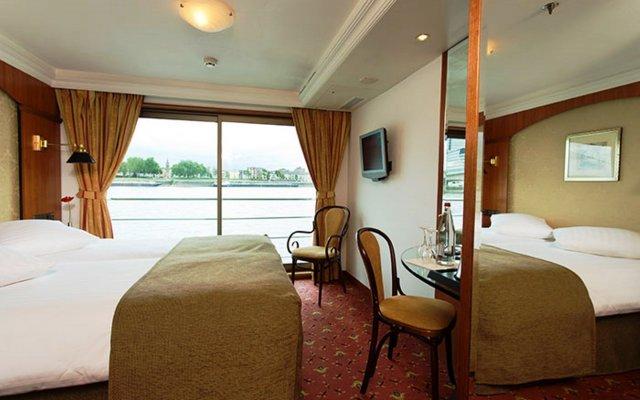 Отель Baxter Hoare Hotelship - Adults only комната для гостей