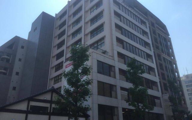 Отель Capsule@Hakata Хаката вид на фасад