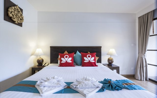 Отель ZEN Rooms Prachanukroh Patong Beach вид на фасад