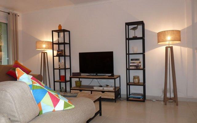 Apartment 82 1