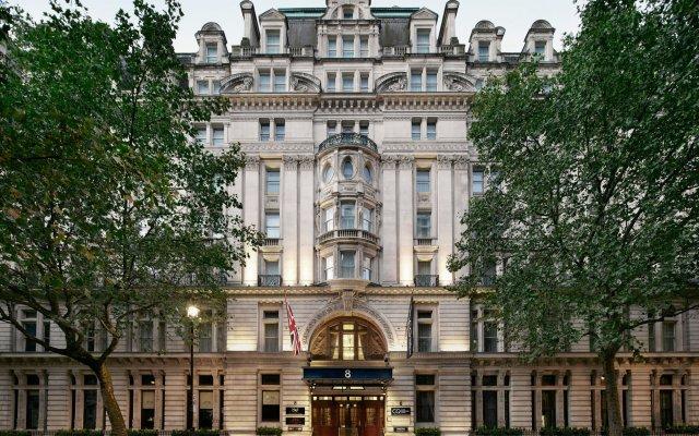 Отель The Grand At Trafalgar Square Лондон вид на фасад
