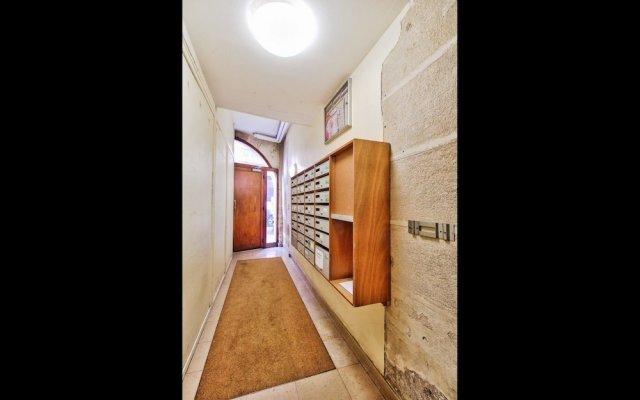 Апартаменты Elegant Studio - Mezzanine - St Germain des Pres Париж