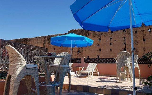 Отель Riad Al Wafaa Марокко, Марракеш - отзывы, цены и фото номеров - забронировать отель Riad Al Wafaa онлайн вид на фасад