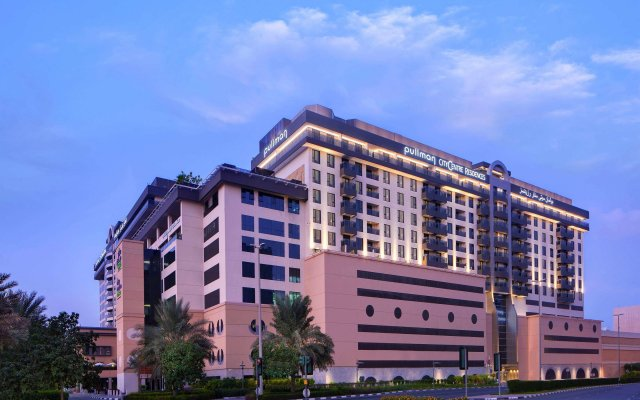 Отель Pullman Dubai Creek City Centre Residences вид на фасад