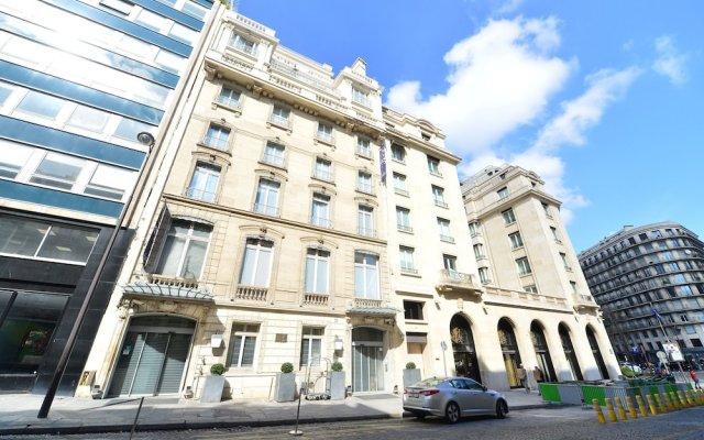 Hotel de Sers-Paris Champs Elysees вид на фасад