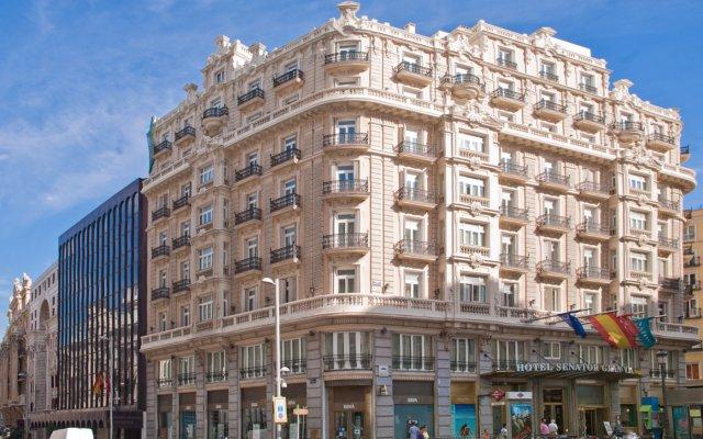 Отель NH Collection Madrid Gran Vía Испания, Мадрид - 1 отзыв об отеле, цены и фото номеров - забронировать отель NH Collection Madrid Gran Vía онлайн вид на фасад