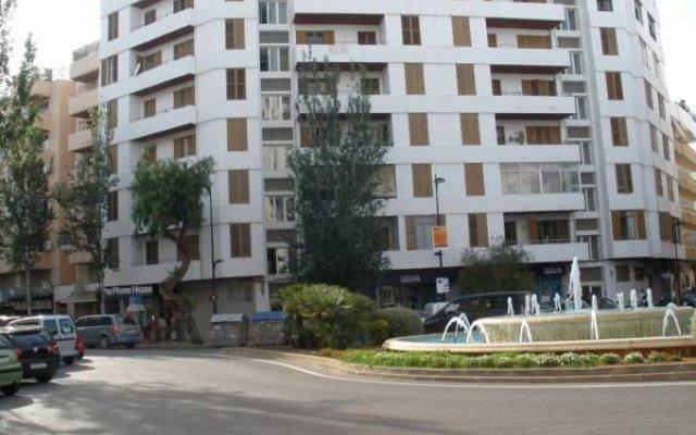Отель Casa de Huespedes el Almendro вид на фасад