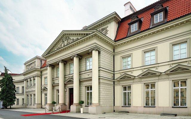 Отель BELLOTTO Варшава вид на фасад