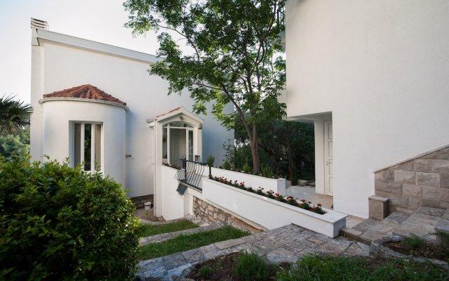 Отель Villa Mia Черногория, Свети-Стефан - отзывы, цены и фото номеров - забронировать отель Villa Mia онлайн вид на фасад