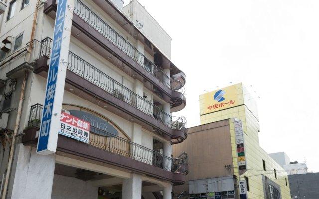 Отель OYO Hotel Toyama Joshi Koen Япония, Тояма - отзывы, цены и фото номеров - забронировать отель OYO Hotel Toyama Joshi Koen онлайн вид на фасад