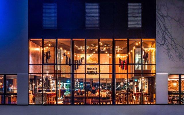 Отель Radisson Hotel Zurich Airport Швейцария, Рюмланг - 2 отзыва об отеле, цены и фото номеров - забронировать отель Radisson Hotel Zurich Airport онлайн вид на фасад