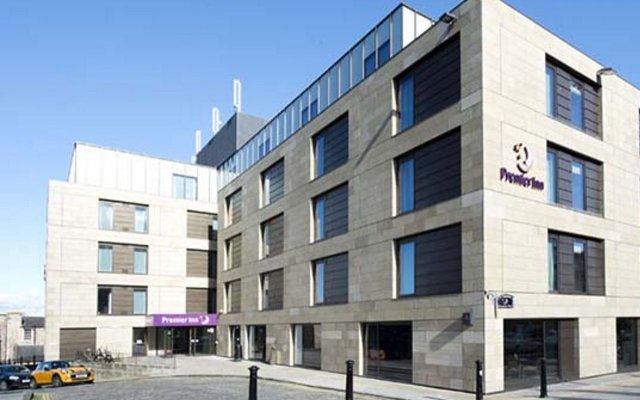 Отель Premier Inn Edinburgh City Centre (York Place) Великобритания, Эдинбург - отзывы, цены и фото номеров - забронировать отель Premier Inn Edinburgh City Centre (York Place) онлайн вид на фасад