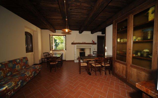 Отель Posto del Sole Сполето комната для гостей