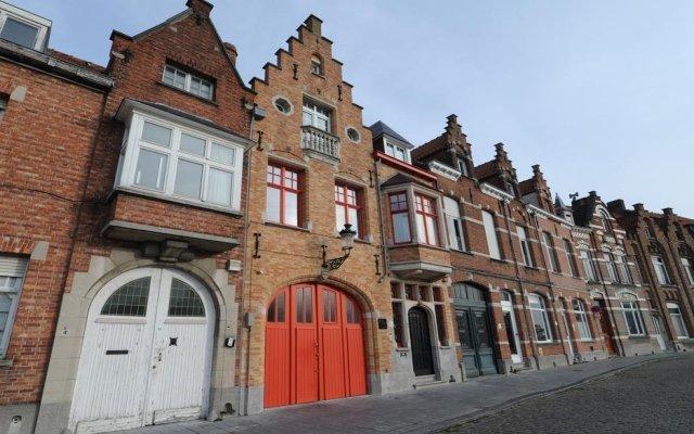 Отель B&B Contrast Бельгия, Брюгге - отзывы, цены и фото номеров - забронировать отель B&B Contrast онлайн вид на фасад