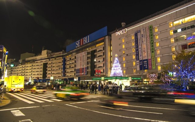 HOTEL VARKIN (Adult Only) вид на фасад
