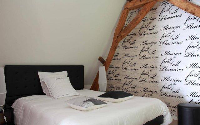 Hotel The Originals La Ferme Blanche (ex Relais du Silence) 2