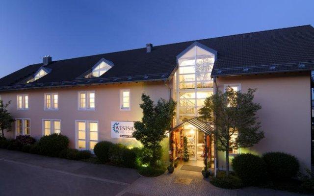 Отель Westside Hotel garni Германия, Мюнхен - отзывы, цены и фото номеров - забронировать отель Westside Hotel garni онлайн вид на фасад
