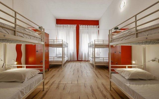 Отель Zebra Hostel Италия, Милан - отзывы, цены и фото номеров - забронировать отель Zebra Hostel онлайн комната для гостей