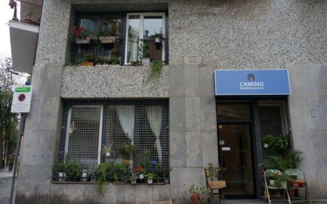 Отель Camino Bed and Breakfast Барселона вид на фасад