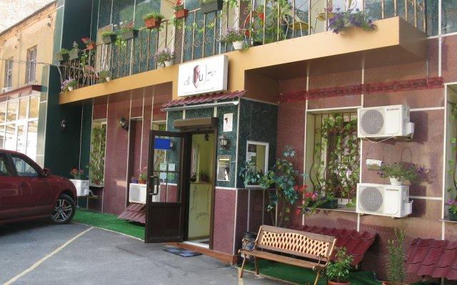 Yellowunlimited Отель Харьков вид на фасад