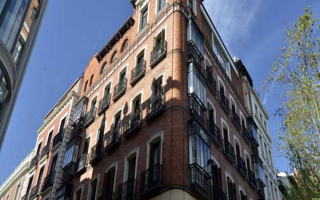 Отель MIAU Мадрид вид на фасад