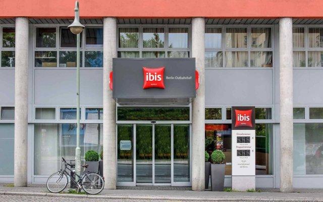 Отель ibis Berlin Ostbahnhof вид на фасад